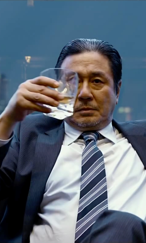 Min-Sik Choi with Luigi Bormioli Crescendo Whiskey Glass in Lucy