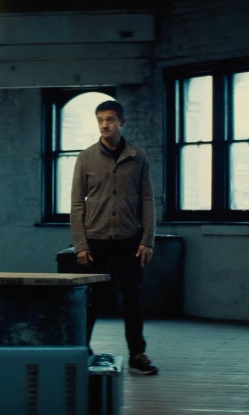 Jeremy Renner with New Balance 574 Core Suede Casual Shoes in Mission: Impossible - Rogue Nation