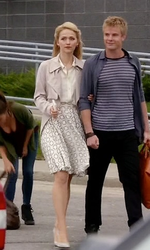 Johanna Braddy with Forever 21 The Fifth Label Minds Wonder Skirt in Quantico