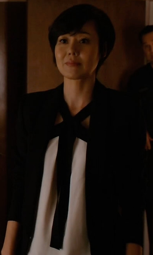 Yunjin Kim with Elizabeth and James Alex Stretch Crepe Blazer in Mistresses