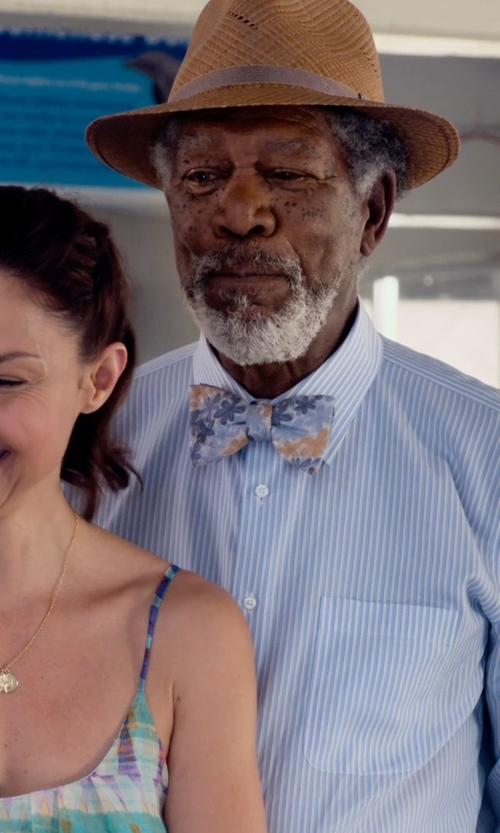 Morgan Freeman with Neiman Marcus Paisley-Tapestry Silk Bow Tie in Dolphin Tale 2
