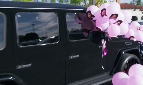Kylie Jenner with Mercedes Benz G-Class SUV in Keeping Up With The Kardashians