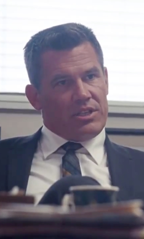Josh Brolin with Z Zegna Wool Two-Button Suit in Inherent Vice