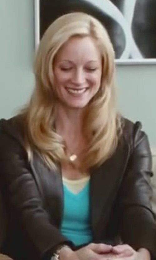 Teri Polo with Michael Stars Women's Linen Knit Short Sleeve V Neck T-Shirt in Little Fockers
