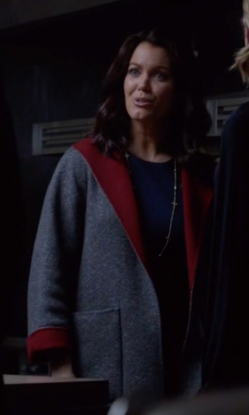 Bellamy Young with Max Mara Studio Selva Short Virgin Wool Wrap Coat in Scandal