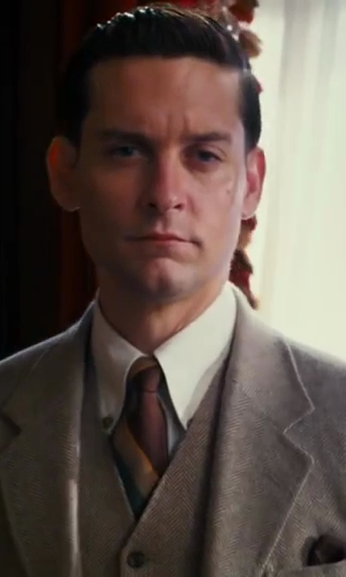 Tobey Maguire with J.Crew Slim-Fit Woven Linen And Cotton-Blend Suit Jacket in The Great Gatsby