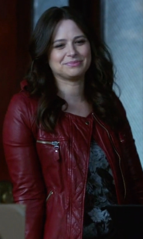 Katie Lowes with Isabel Marant Étoile Kady Washed Leather Moto Jacket in Scandal