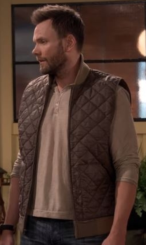 Joel McHale with Peter Millar Hudson Quilted Vest in The Great Indoors