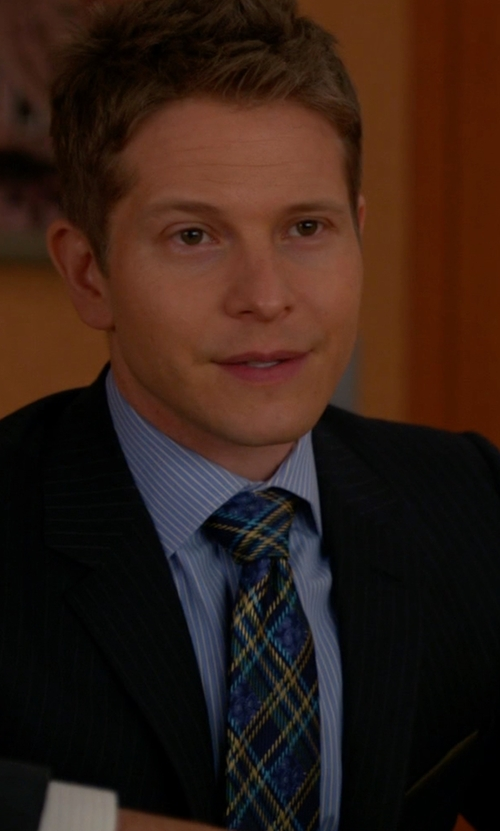 Matt Czuchry with Haggar Heritage Plaid Tie in The Good Wife