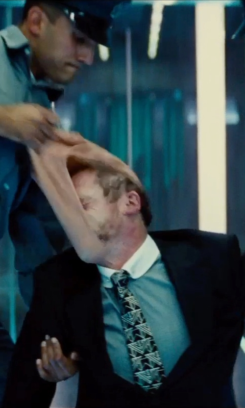 Simon Pegg with Brooklyn Tailors Abstract-Line Jacquard Neck Tie in Mission: Impossible - Rogue Nation