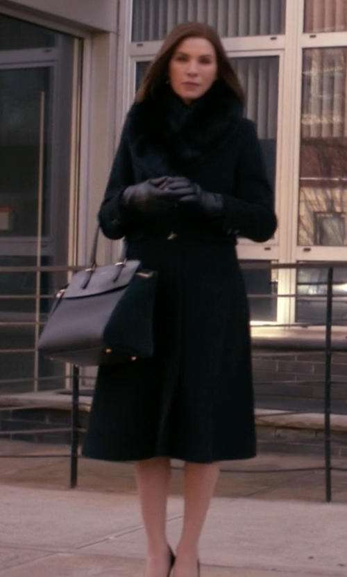 Julianna Margulies with Sachi Genuine Fox Fur Shawl Collar Coat in The Good Wife