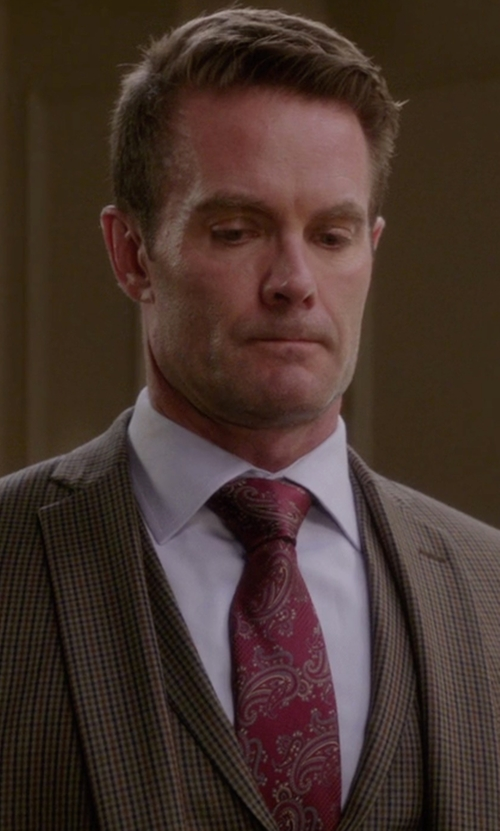 Garret Dillahunt with Robert Talbott Paisley Silk Tie in The Mindy Project