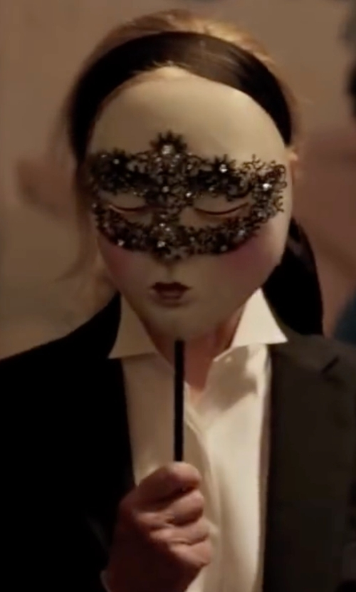 Kim Basinger with Vivo Venetian Masquerade Mask in Fifty Shades Darker