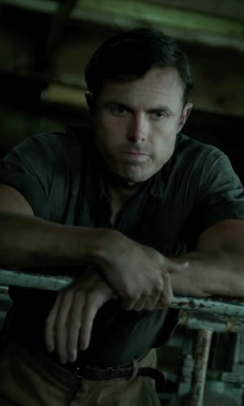 Casey Affleck with Missing Mark Woven Leather Belt in The Finest Hours