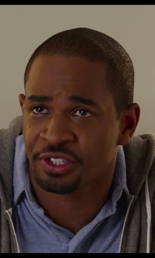Damon Wayans Jr. with Vince Linen 3 Button Polo Shirt in Let's Be Cops