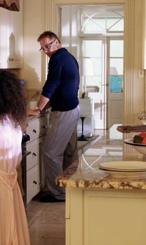 Kevin Costner with Bearpaw Men's Finnick Mule Slippers in Black or White
