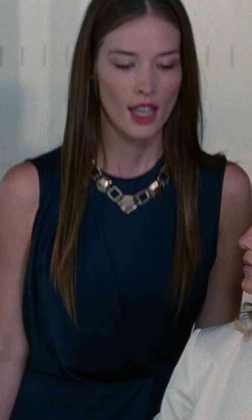 Chelsea Turnbo with Kenneth Jay Lane Chain Necklace in The Other Woman