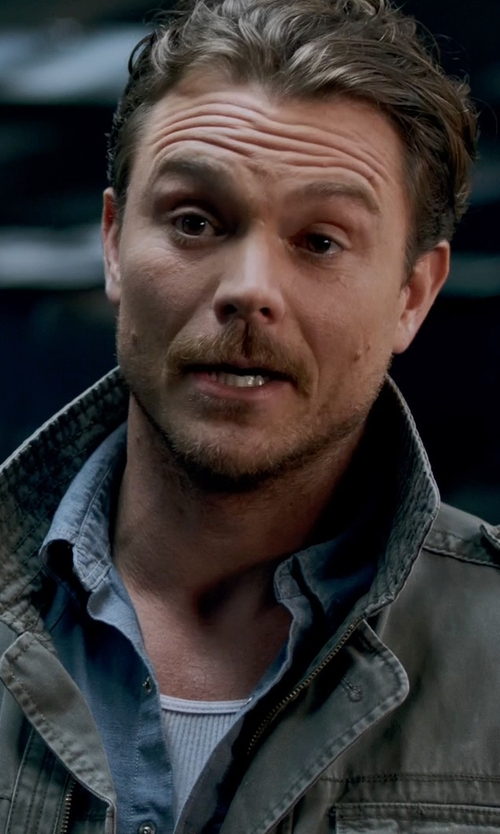 Clayne Crawford with Rag & Bone Holder Zip-Up Shirt Jacket in Lethal Weapon
