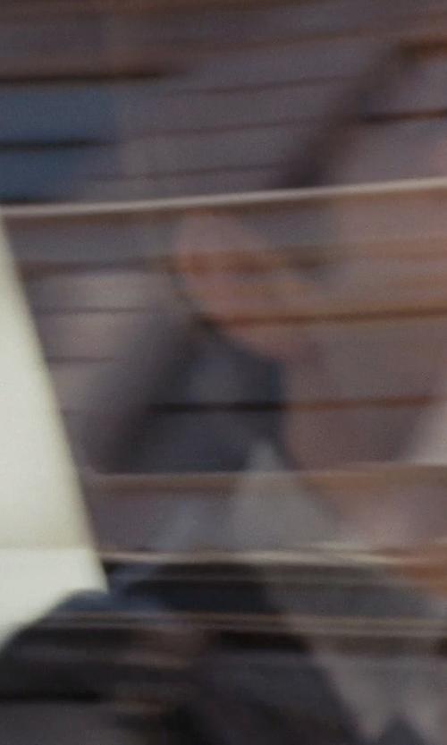 Joseph Gordon-Levitt with J.Crew Cotton-Cashmere Cardigan in (500) Days of Summer