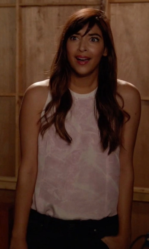 Hannah Simone with Vince Camuto Print Pleat Neck Blouse in New Girl