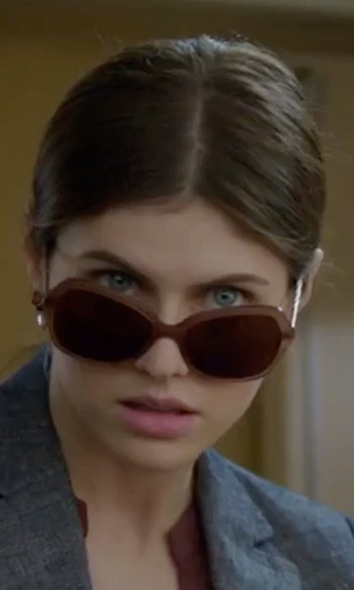 Alexandra Daddario with Marc Jacobs Square Acetate Sunglasses in The Layover