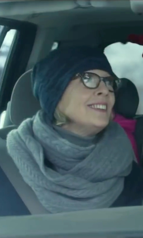Diane Keaton with Vince Cable Knit Cashmere Scarf in Love the Coopers