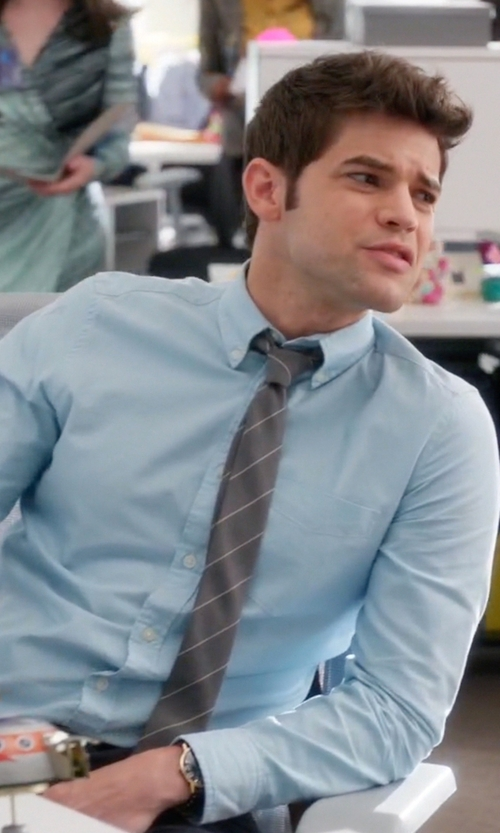 Jeremy Jordan with Brooks Brothers Triple Stripe Tie in Supergirl