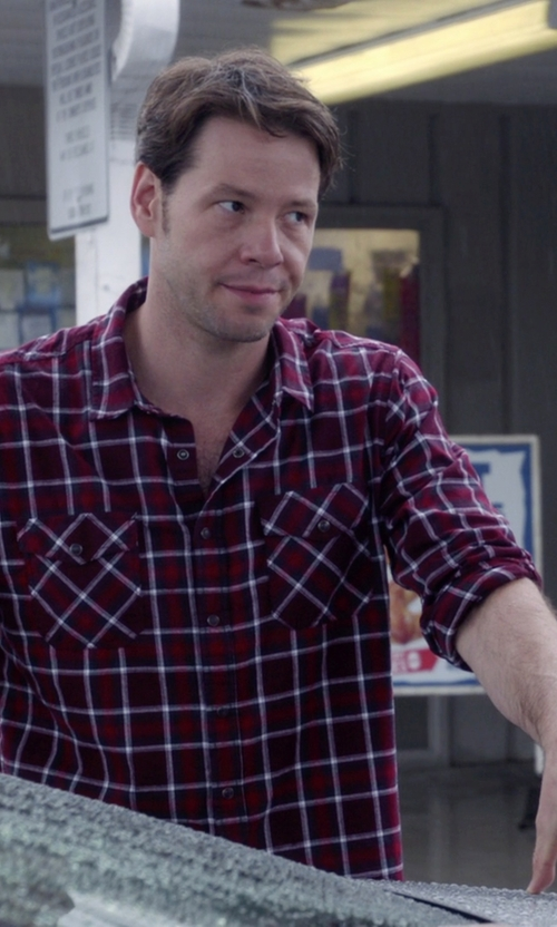 Mark Duplass with Marc by Marc Jacobs Men's Oversized Toto Plaid Shirt in The Mindy Project