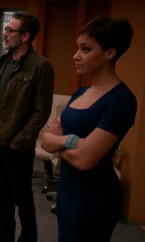 Cush Jumbo with St. John Collection Short-Sleeve Knit Sheath Dress in The Good Wife