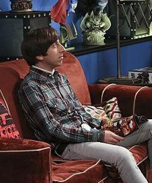 Simon Helberg with Threads 4 Thought Men's Slim-Fit Plaid Long-Sleeve Button-Front Shirt in The Big Bang Theory