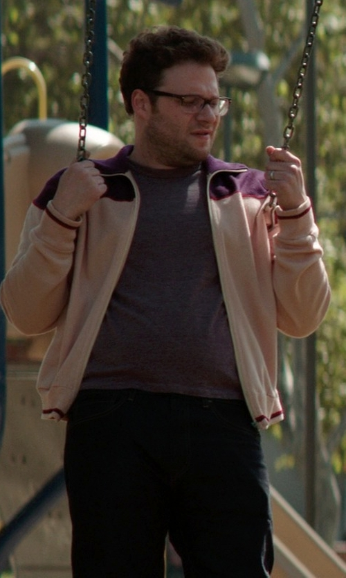Seth Rogen with Club Room Solid Performance Crew Neck T-Shirt in Neighbors