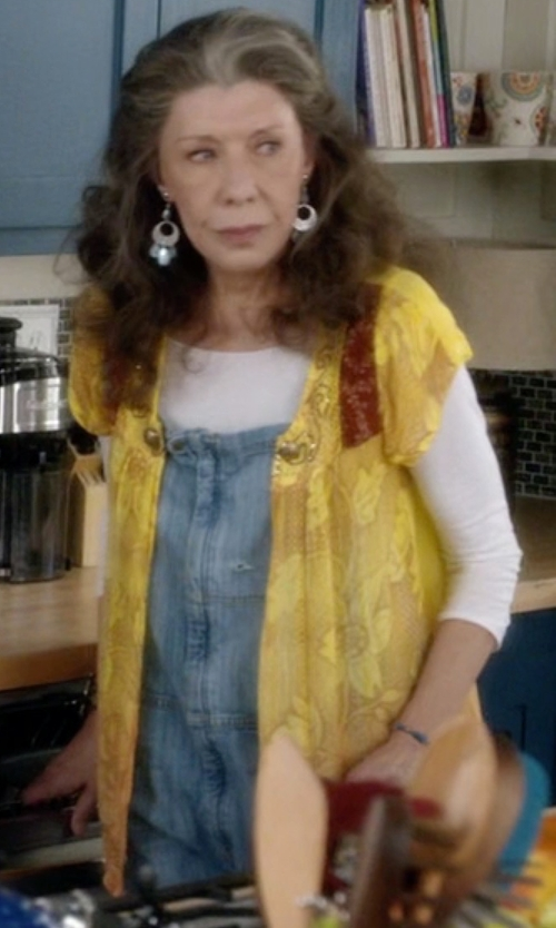 Lily Tomlin with Anne Klein Floral-Lace Cropped Cardigan in Grace and Frankie