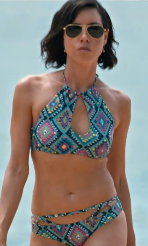 Aubrey Plaza with Forever21 Diamond Print High-Neck Bikini Top in Mike and Dave Need Wedding Dates