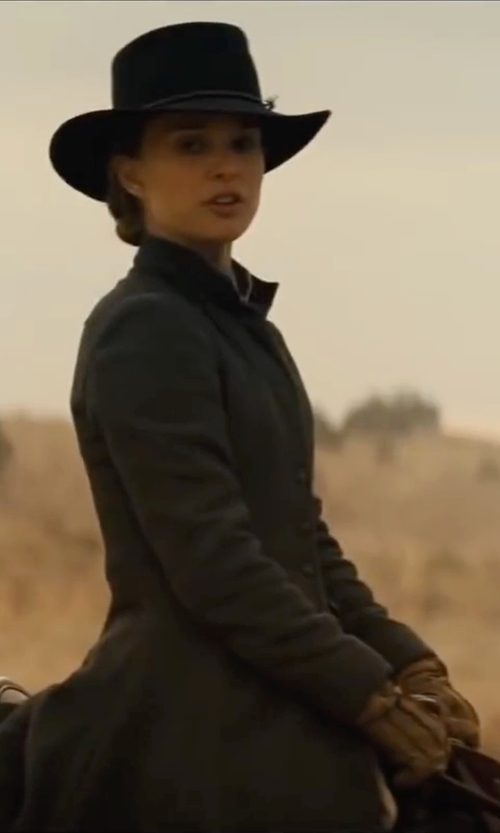 Natalie Portman with Lauren Ralph Lauren Logo Peforated Leather Gloves in Jane Got A Gun