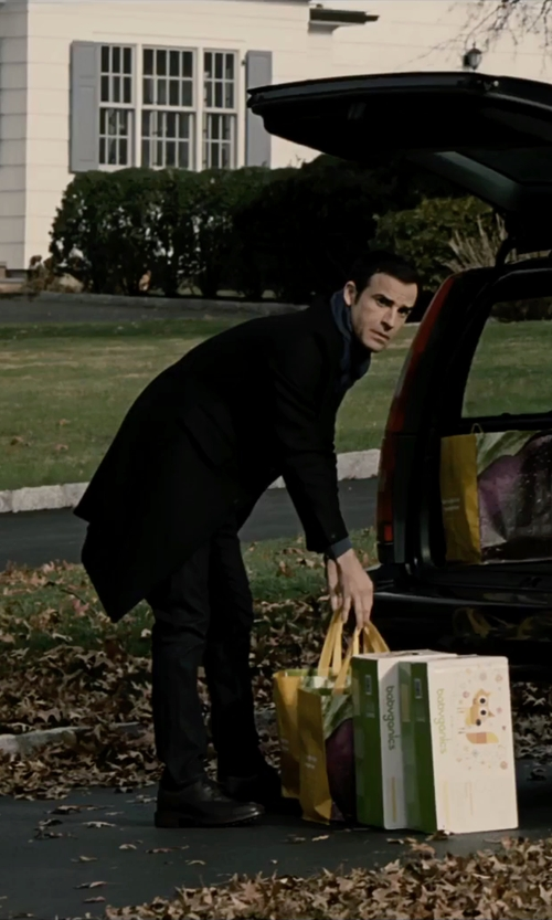 Justin Theroux with Ecco Harold Plain Oxford Shoes in The Girl on the Train