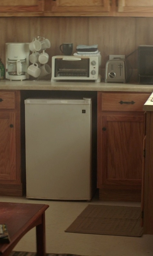 James Marsden with Proctor Silex Toaster Oven in The Best of Me
