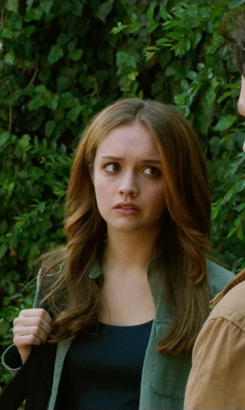 Olivia Cooke with Jessica London Women's Jean Jacket in Ouija