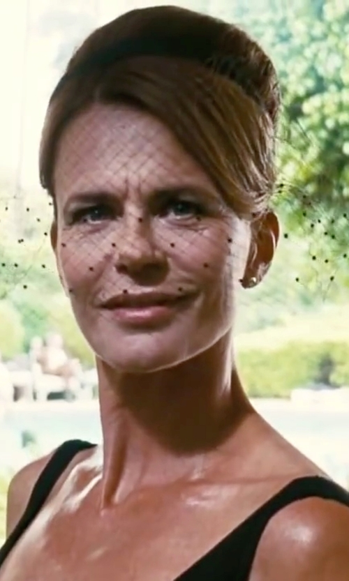 Serena Scott Thomas with Pink Palm Tree Birdcage Beauty Fascinator Veil in Inherent Vice