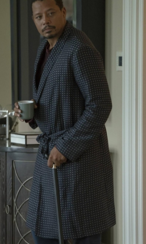 Terrence Howard  with Majestic International 'Cypress' Silk Dot Robe in Empire