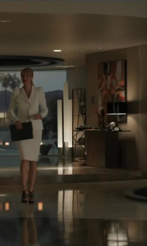 Gwyneth Paltrow with ALEXANDER MCQUEEN pencil skirt in Iron Man 3