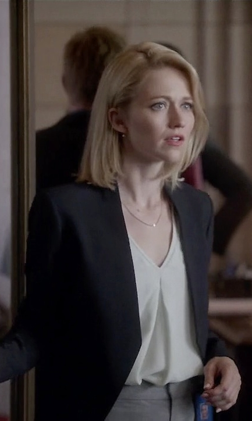 Johanna Braddy with Theory Lanai Stretch-Wool Blazer in Quantico