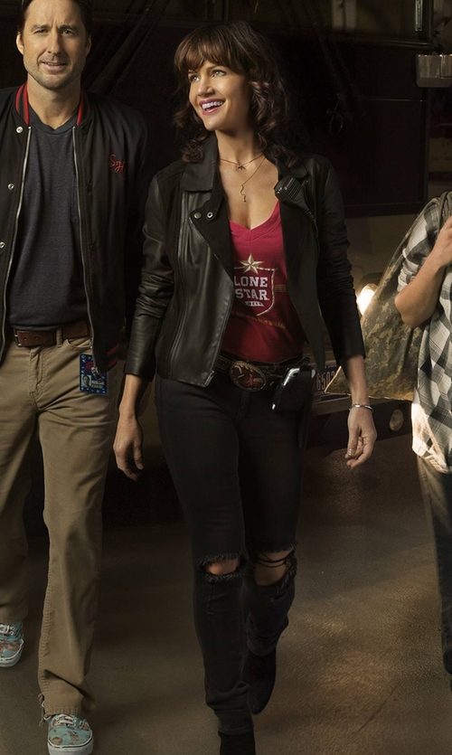 Carla Gugino with Boohoo Blue Louise Distressed Skinny Jeans in Roadies