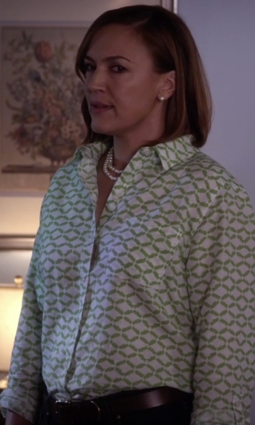 Lesley Fera with MM6 Maison Margiela Classic Belt in Pretty Little Liars