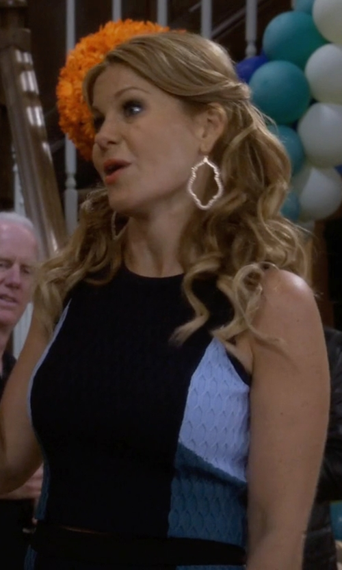 Candace Cameron Bure with Sole Society Crystal Trellis Hoop Earrings in Fuller House