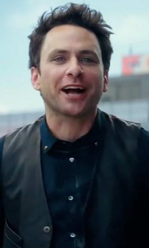 Charlie Day with John Varvatos Star USA Slim Fit Solid Dress Shirt in Pacific Rim: Uprising