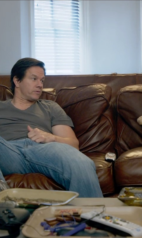 Mark Wahlberg with Chelsea Home Furniture Dorchester Queen Sleeper Couch in Ted 2