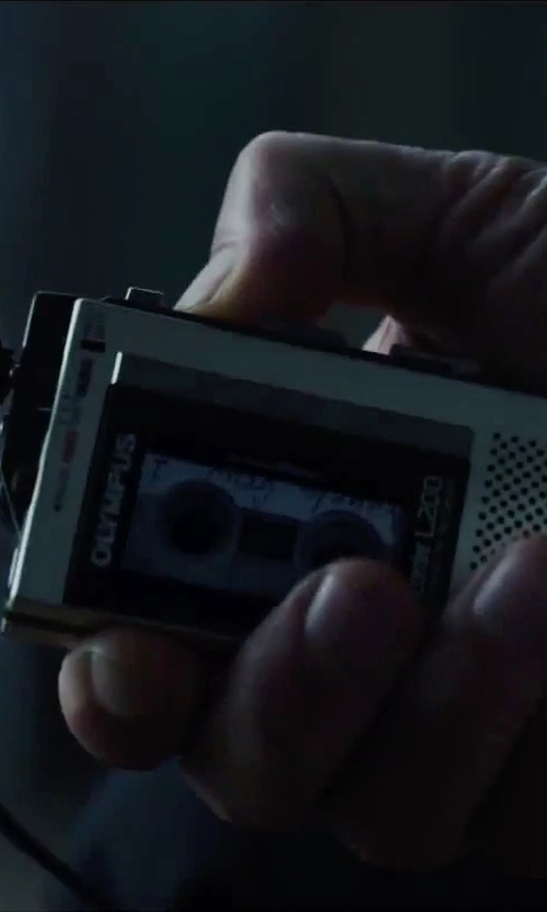 Ethan Hawke with Olympus L200 Pearlcorder Microcassette Voice Recorder in Regression