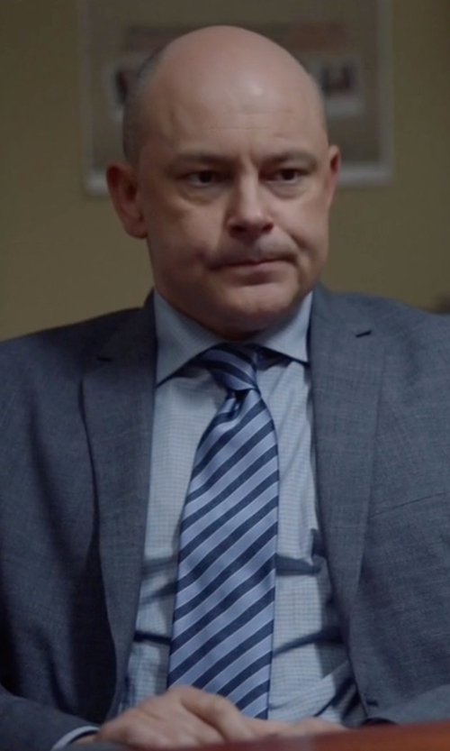 Rob Corddry with Brioni Super 150s Plaid Two-Piece Suit in Ballers