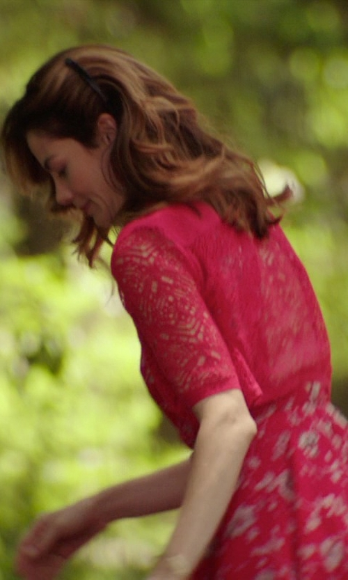 Michelle Monaghan with MyMixTrendz Womens Lace Gold Button Detail Shrug in The Best of Me