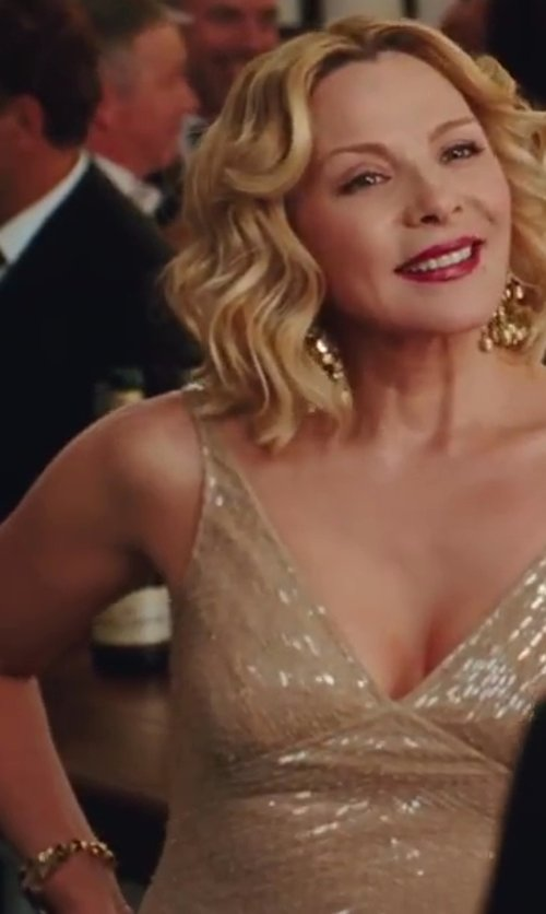 Kim Cattrall with Mimi So Gold Chain Link Bracelet in Sex and the City 2